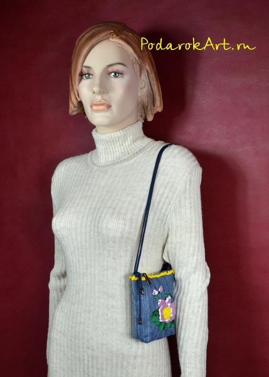 сумочка для мобильника и документов с розовыми цветами из атласных лент