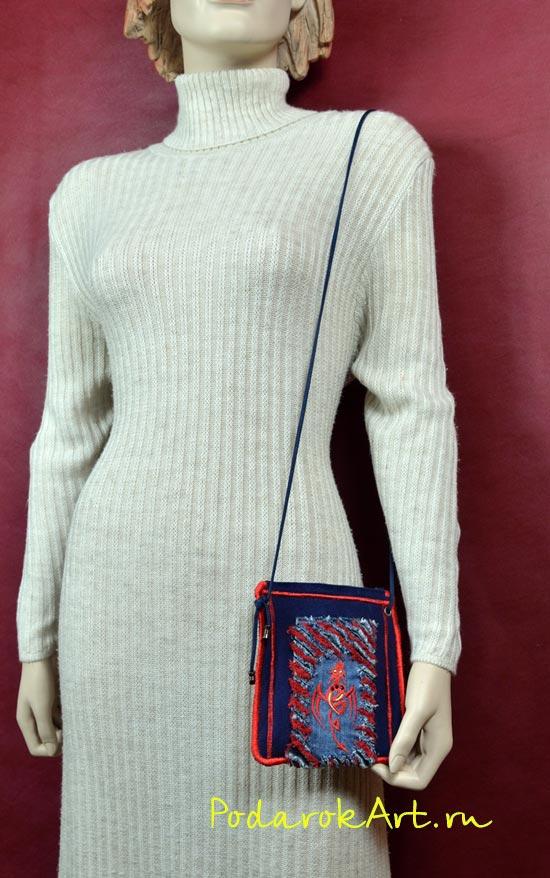 маленькая женская сумочка для телефона и документов с драконом и красной обстрочкой